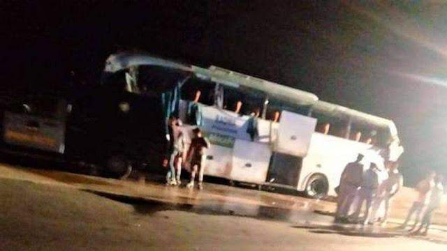 مصرع 12 اشخاص وإصابة 34   آخرون في حادث انقلاب أتوبيس رحلات على طريق «السويس – القاهرة»