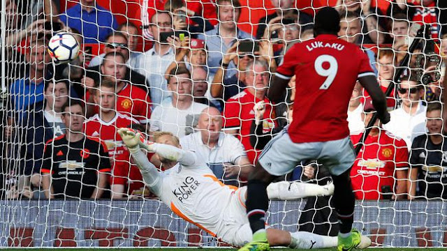 Manchester United Bungkam Leicester 2-0