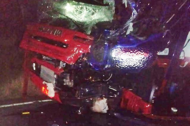 Acidente com ambulância de Brumado-BA deixa uma pessoa morta e três feridas em Maracás