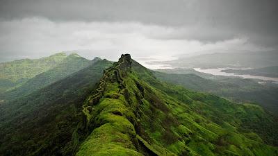 https://picnaturr.blogspot.com/2019/01/rajgad-fort-near-pune-india.html
