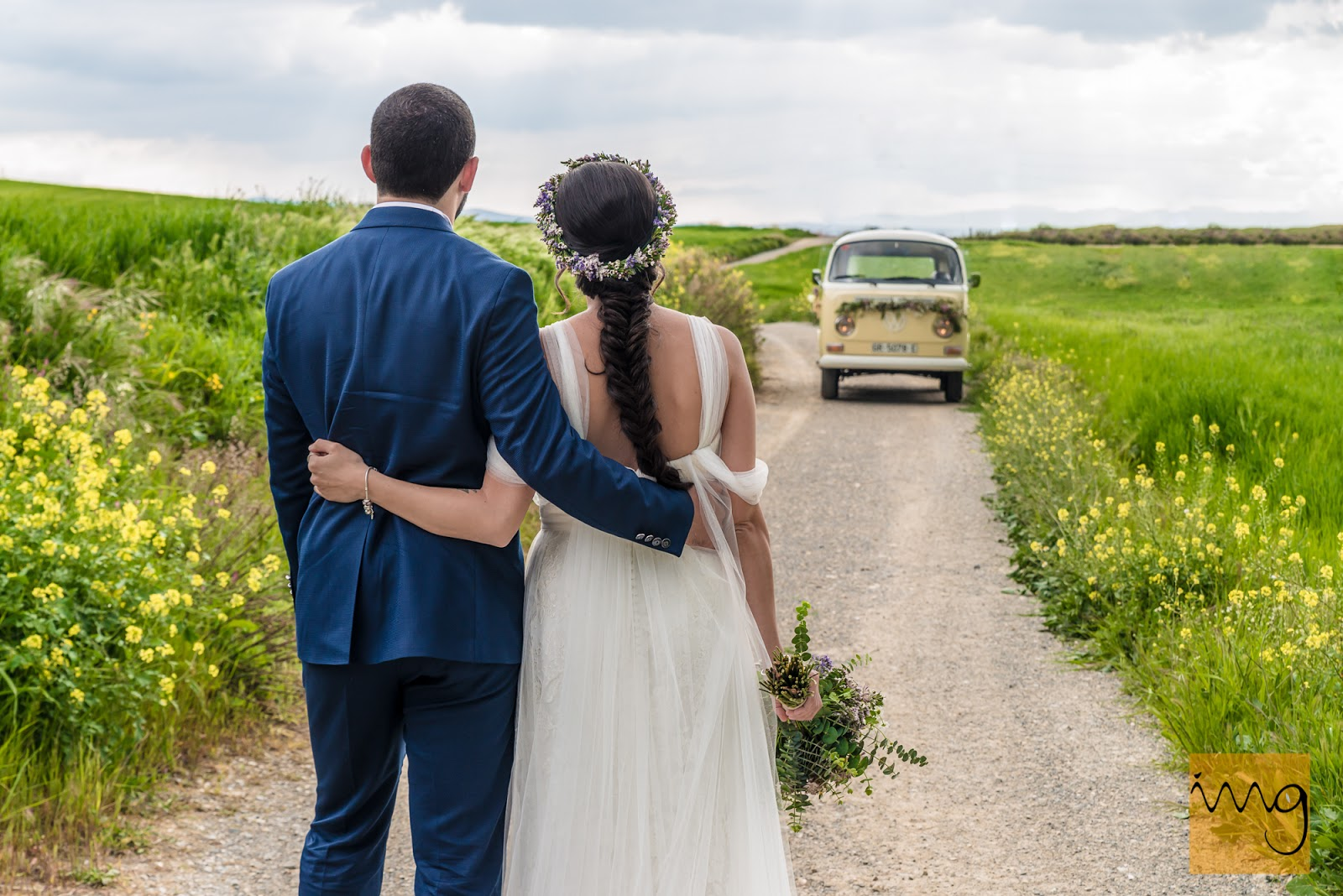 Reportaje de boda estilo vintage con furgoneta VW T2