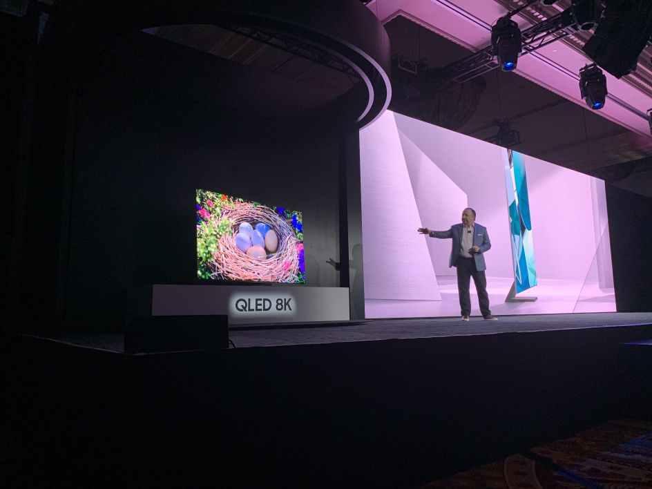 Samsung-smart-TV-Q950T-QLED-8K-borderless
