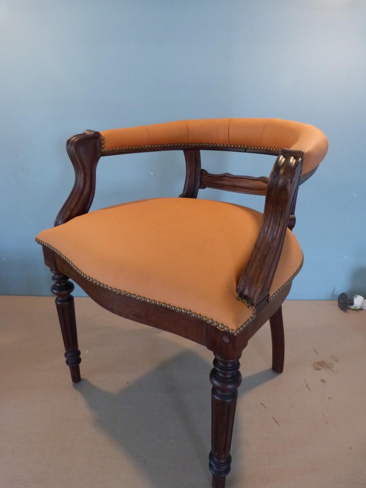 garnissage l 39 ancienne fauteuil de bureau et banquette. Black Bedroom Furniture Sets. Home Design Ideas