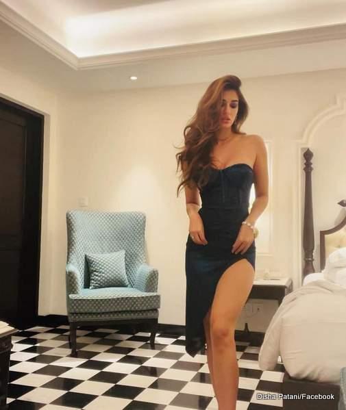disha-patani-hot-in-black-dress