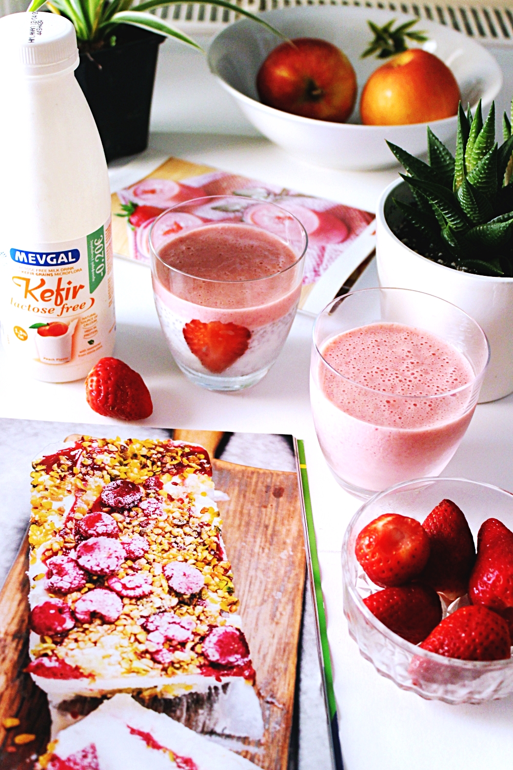 strawberry smoothie and strawberry chia pudding with Mevgal lactose-free kefir, lactose-free breakfast ideas