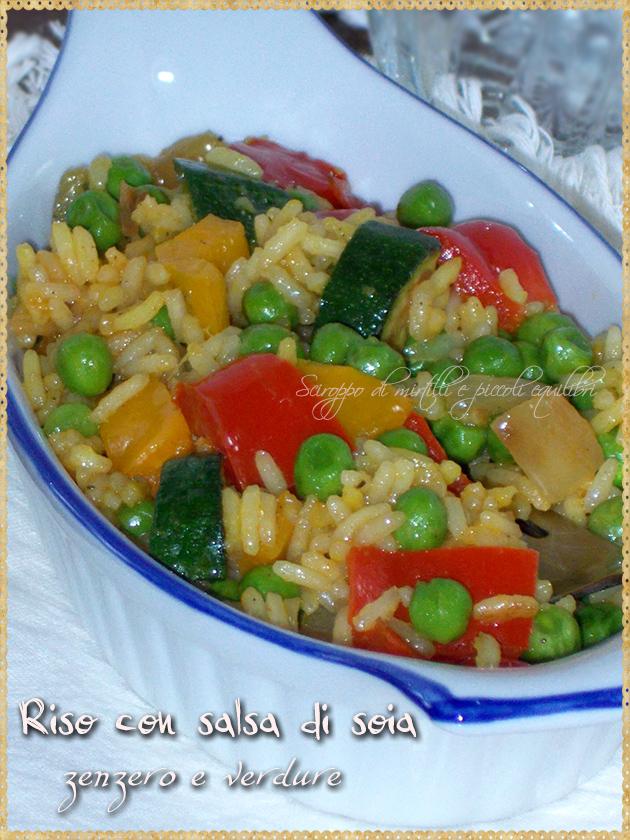 Riso con salsa di soia, zenzero e verdure