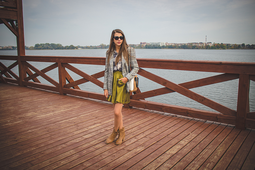 CHECKERED JACKET AND KHAKI SKIRT
