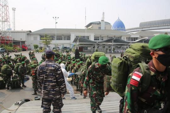 Diantar Kapal Perang, 400 'Pasukan Setan' TNI Berangkat ke Papua