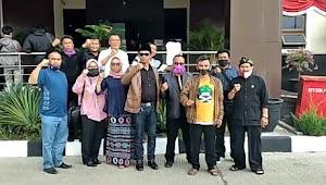 Ketua APDESI Kabupaten Garut melaporkan beberapa media online tentang pencemaran nama baik