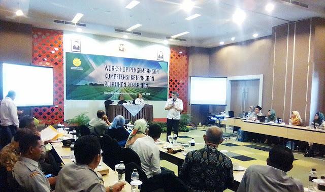 Sinergisitas Kementerian Pertanian Dengan PETANI Untuk Wujudkan Kedaulatan PETANI Berbasis Agrobisnis Kerakyatan