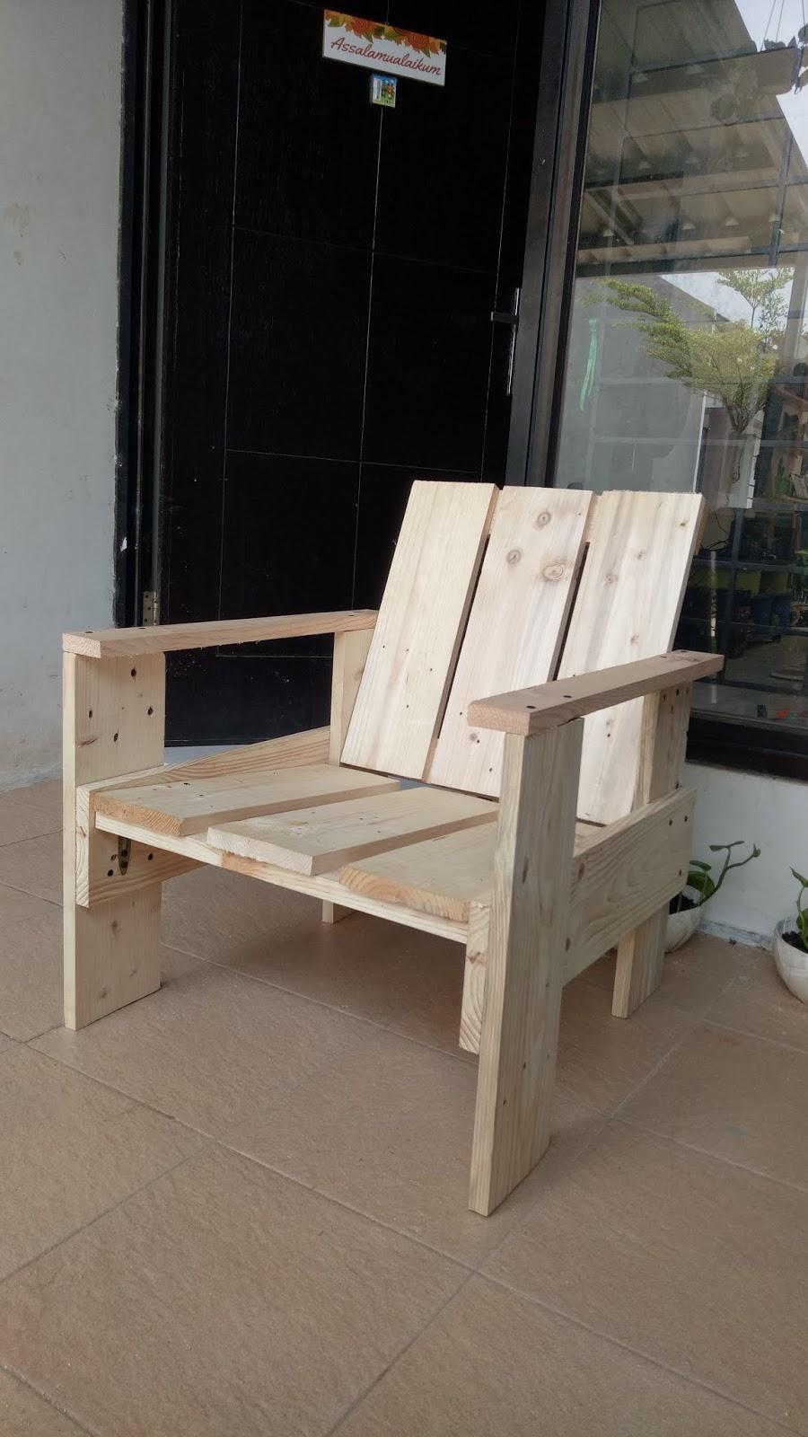 Cara Membuat Kursi Dari Kayu Bekas : membuat, kursi, bekas, Halaman, Samping:, Bikin, Sendiri, Kursi, Teras, Bekas, Palet