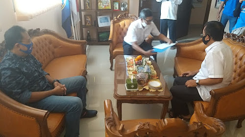 Penyerahan Faktur Pajak ke  SMAN 14 Bandung