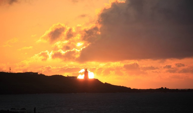 搶拍極北懸日美景 富貴角燈塔8月提前開燈   蘭陽新聞網 LanyangNews