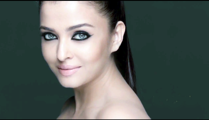 Mesmerizing Aishwarya Deep Eyes Photoshoot