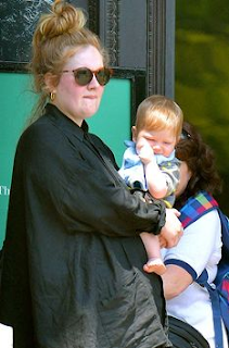 Foto Adele Dengan Anaknya, Angelo James Konecki