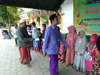 Harap Berkah Ramadhan, Remas Khoirul Biqo' Santuni Anak Yatim dan Dhuafa