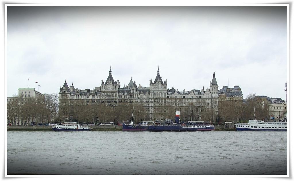 Owa pochwała londyńskiego okresu przedświątecznego rozgrywa się.