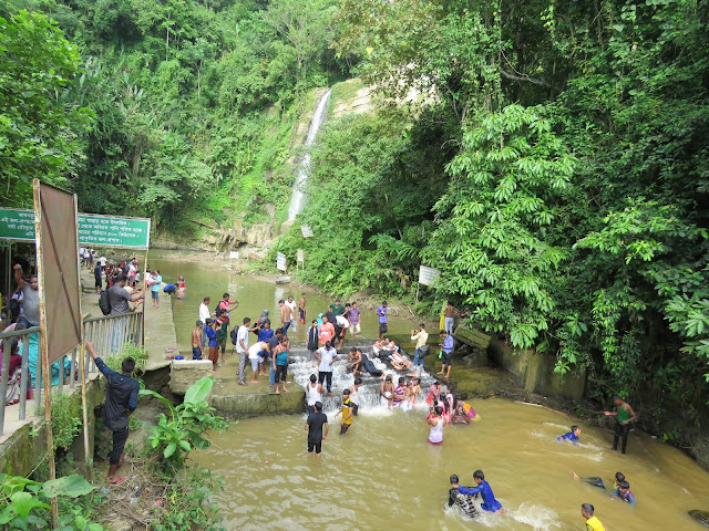 Madhabkunda Waterfall, Moulvibazar