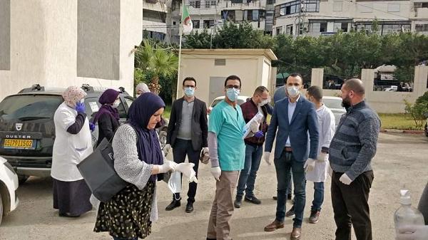 حملات تحسيسية  و توعوية  مكثفة حول فيروس كورونا بالشلف