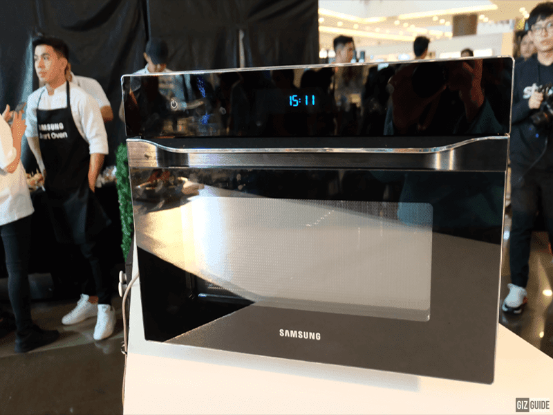 The compact and stylish build of the Samsung Smart Oven