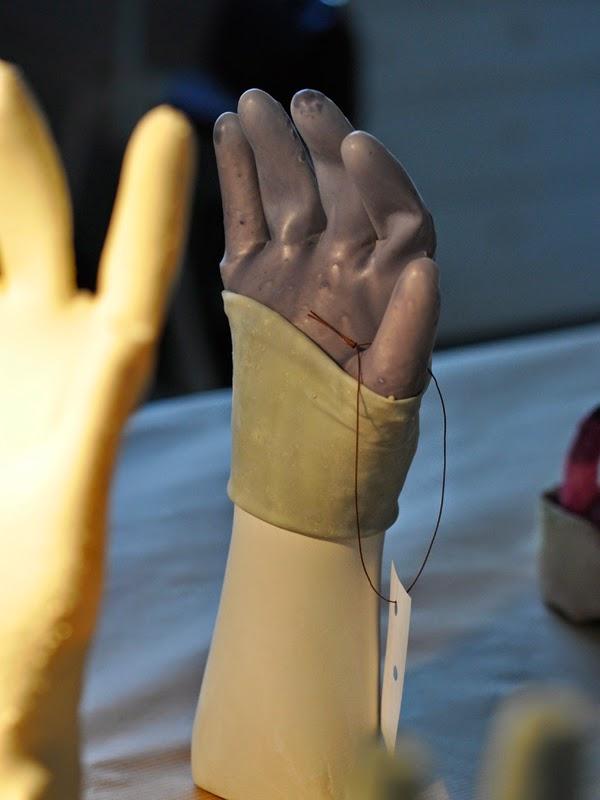 "Coralie Meyer, "" Revers et les gants "" 2014"