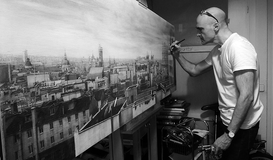 01-Drawing-Chariots-over-Madrid-Fausto-Martin-Realistic-Black-and-White-Pencil-Drawings-www-designstack-co