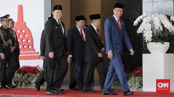 Rencana Jokowi Naikkan Gaji PNS Jelang Pilpres Dinilai Sangat Politis