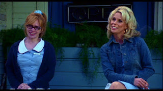 Adrienne Shelly and Cheryl Hines