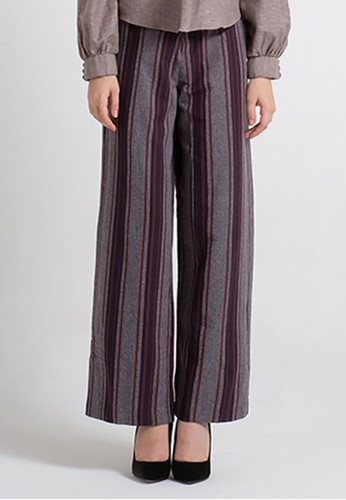 Long Loose Trousers Statement