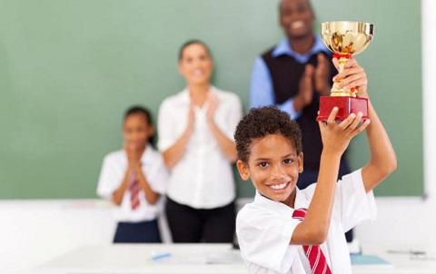 Tips Bantu Anak Berprestasi di Sekolah