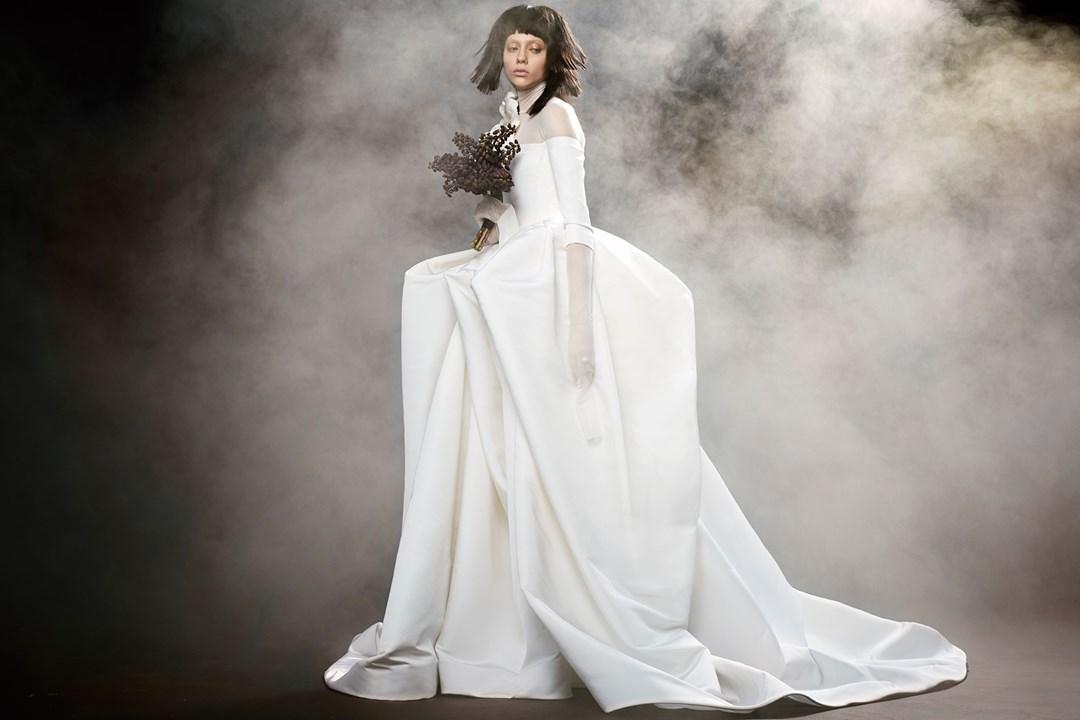 Vera Wang suknie ślubne 2018, Najpiękniejsze suknie ślubne 2018, Suknie ślubne znanych projektantów, Trendy ślubne 2018, Modna Panna Młoda, Panna Młoda 2018, Wedding Dress 2018, Modna suknie ślubne, Panna Młoda ubiór