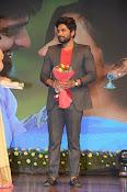 Allu Arjun at Oka Manasu Audio launch-thumbnail-15