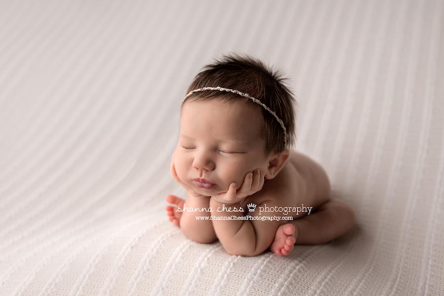 Eugene OR newborn photographer, baby girl in froggy pose