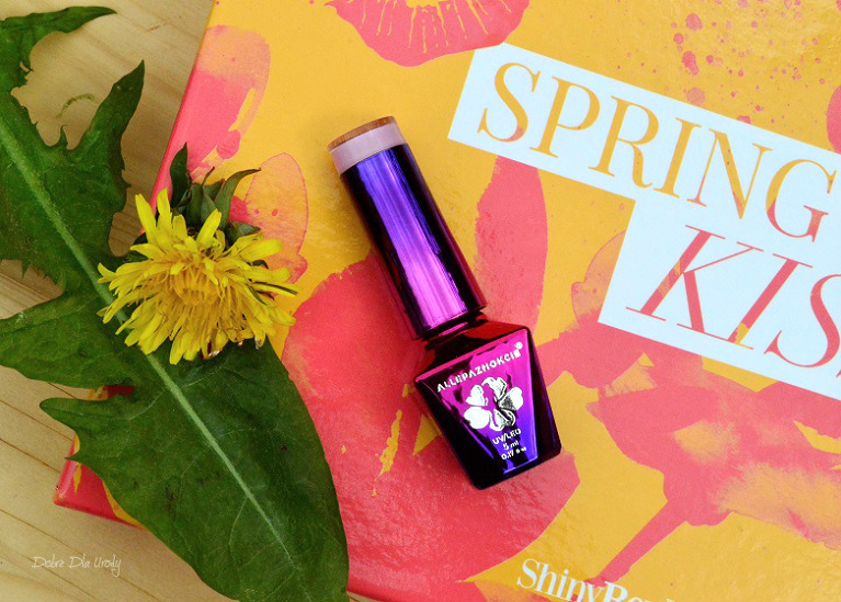Spring Kiss by ShinyBox - MollyLac Lakier hybrydowy