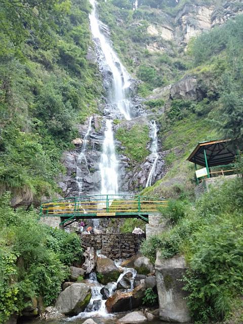 Baroad Parsha waterfall