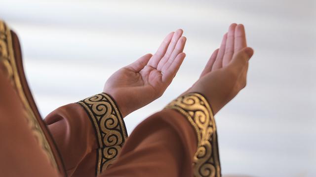 berdoa dan ingat tujuan awal rekan muda