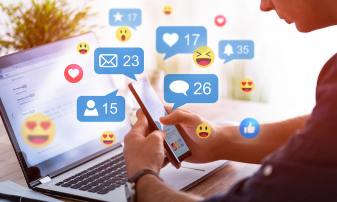 Οκτώ ενδείξεις ότι χρειάζεστε ένα διάλειμμα από τα social media