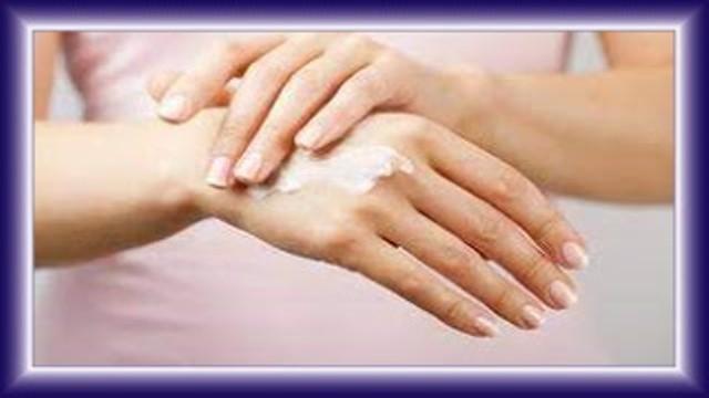 تبييض اليدين بالنشا والحليب