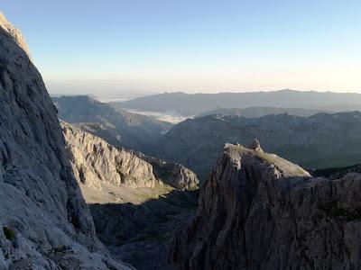 vistas-desde-pared-naranjo-de-bulnes-picos-de-europa