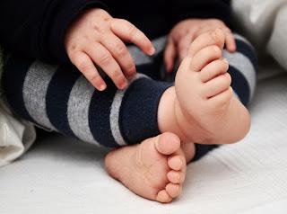 Los pies descalzos en invierno