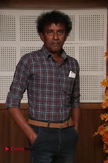 9 Giragankalum Ucham Petravan Tamil Movie Pooja Stills  0006.jpg