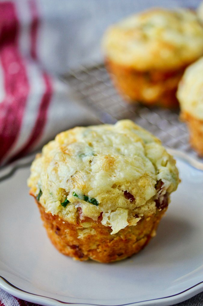 Bacon and chive muffins with cheese