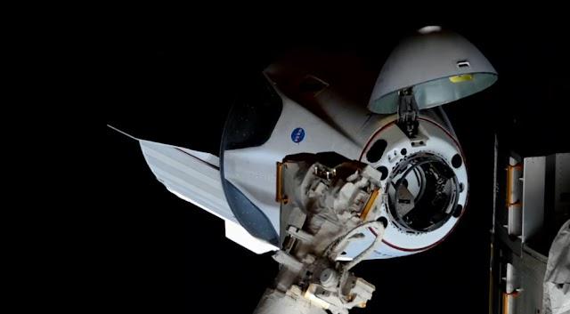 Космический корабль Crew Dragon пристыковался к МКС