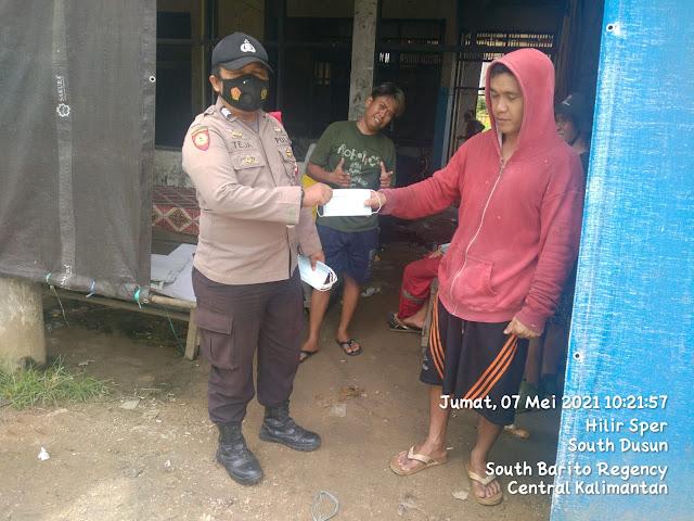 Bagi Masker, Brigpol Teja Ajak Masyarakat Selalu Disiplin Patuhi Prokes 5M