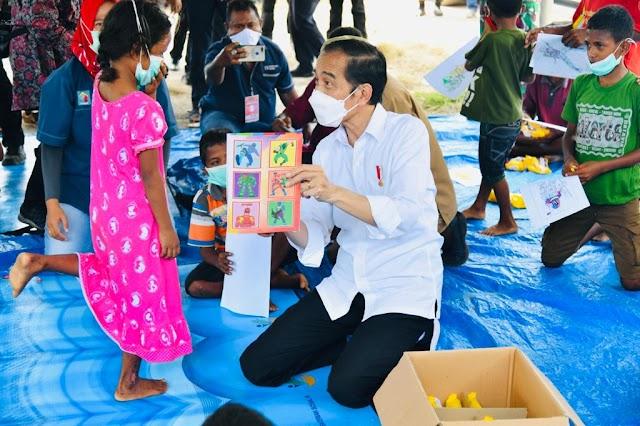 Presiden Jokowi Kunjungi Pengungsi di NTT