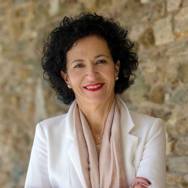 Η Νατάσα Δεληγιάννη - Άσπρου υποψήφια Έπαρχος Τήνου!