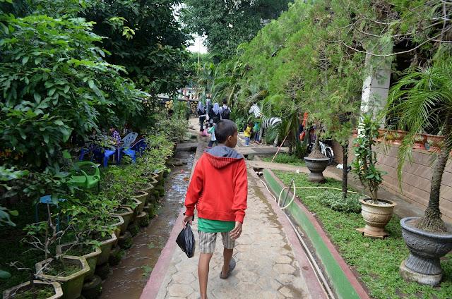 Pendaftaran Cpns 2013 Di Makassar Lowongan Kerja Loker Terbaru Bulan September 2016 Story Traveling Hunting And Words Wisata Kebun Gowa Sulawesi
