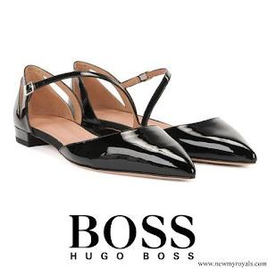 Queen Letizia wore Hugo Boss Bella Ballerina pumps with asymmetric strap