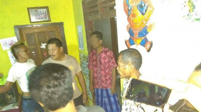 Kades di Tulungagung Digerebek Warga Nyelinap Masuk Rumah Pegawai Perempuannya