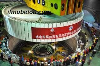 Pemasangan Turbin Generator pada Bendungan